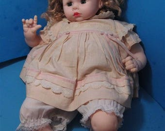 Vintage Large Madame Alexander Crying  Doll Baby  Girl Toy Collector