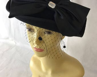 1940's Style Black Velvet Hat