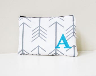 Monogram Makeup bag - Personalized Arrows Bag - Zipper Pouch - Bridesmaid bags - Medium