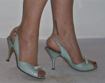 Gorgeous 1950s open toe slingback heels  US 7 1/2 / UK 5 1/2 powder blue