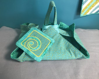 Reversible Insulated Fabric Casserole Carrier with Bonus Potholder, Green with Yellow Polka-Dots/Green Batik