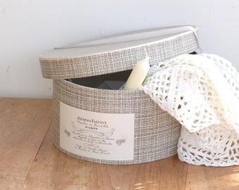 Boîte à chapeaux en carton noir et blanc Jacques Faizant Valise à chapeaux Frenchvintagecharm