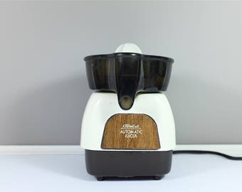 Vintage electric juicer by Sears Counter Craft: Automatic Juicer model 360-834800 - Retro automatic juicer - Vintage kitchen