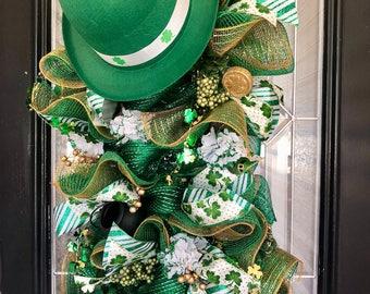 St. Patricks Day Door Hanger- Saint Patrick's Day Wreath- Deco Mesh- Front Door Wreath- Spring Wreaths