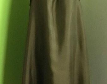 Sleeveless green silk  dress