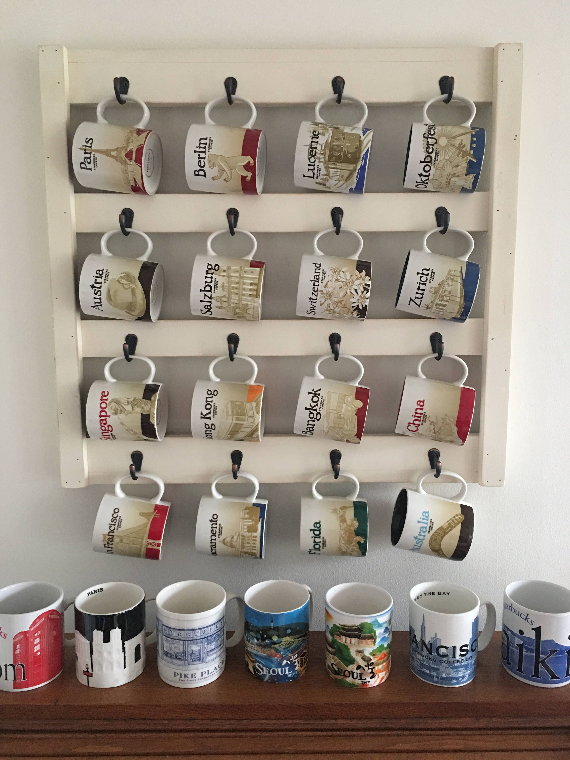 Kitchen wall decor home decor coffee cup holder coffee for Mug racks ideas