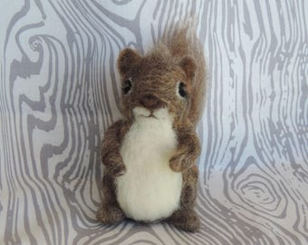 Needle felted squirrel, wool squirrel sculpture, woodland creatures, felted animals, handmade squirrel, tiny felted squirrel, fiber art