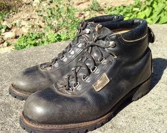Hiking Boots - Mens size 6.5 - Womens size 8 - Matterhorn Boots - Black Leather Boots - Vintage Boots - Vintage Clothing - Made in Canada -