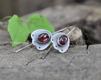 Red garnet silver earrings | Flower garnet earrings | Handmade red garnet earrings | Handcrafted garnet earring | Artisan garnet earrings