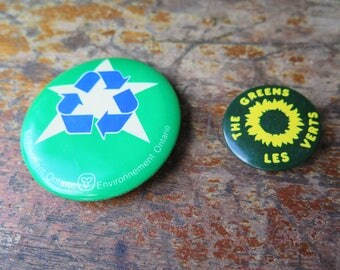 Vintage Green recycling environment Ontario pin / badge, button, badge, green ecology ontario vintage recycling