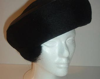 Vintage Black Deborah 22 and one half Beret Style Hat Free 1st Class US shipping