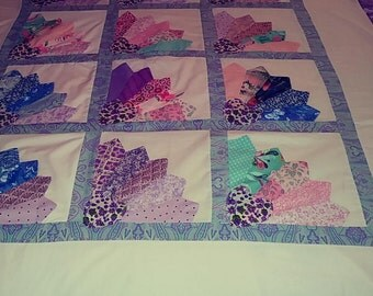 """Fan quilt 54"""" X 65"""" handmade Pinklady cottage"""