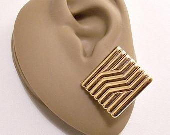 Monet Square Column Pierced Earrings Gold Tone Vintage Ribbed Slant Line Accent Discs Buttons