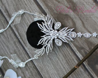 FAST SHIPPING!! Silver Bridal Halo, Swarovski  Hair Comb, Crystal Hair Comb, Swarovski Hairband