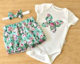 Girls clothing set. Rose print clothing set. Baby vintage rose bloomers set. Baby butterfly bodysuit set. Girls teal rose outfit .