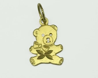 14kt Yellow Gold Outstretched Arms Teddy Bear Charm Pendant Necklace 14 In. Diamond Cut Finish