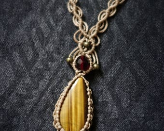 Tiger eye stone macrame necklace
