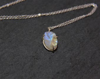 Moonstone Necklace, Raw Moonstone, Rainbow Moonstone Necklace, Moonstone Pendant, Birthstone Necklace, Moonstone Silver Necklace