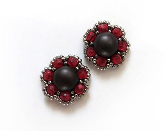 Small Beaded flower Earrings, Everyday Earrings, red  Dark Chocolate, red Studs, Dark Brown Stud Earrings, flower earrings