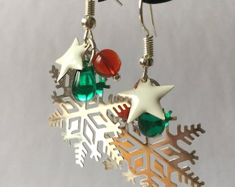 Winter earrings, snowflakes, white stars, red and green beads