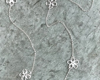 Sterling Silver Daisy Necklace, Daisy Chain Necklace, Open Daisy Links, Long Necklace, Flower Jewelry, Hippie, Silver Daisies, Daisy Jewelry