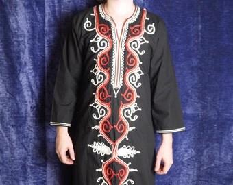 Black Tunic Vintage Men Tunic Folk Festival Boho Tunic Embroidered Tunic Long sleeve Ethnic Morocco Red White Print Tunic Larp medium