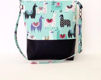 Large Tote Shoulder Crossbody Handbag, zip closure adjustable strap and 2 slip pockets.