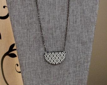 Chain Jewelry Set / Gunmetal Chain Necklace / Black & White Wood Print Pendant