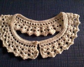 Romantic and Retro Crochet Collar with pearls