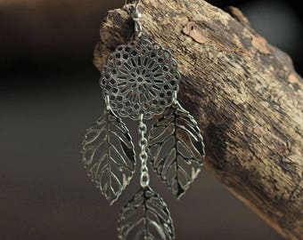 Earrings prints silvered chains, leaves