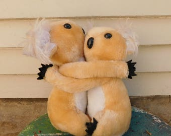 Adorable Vintage Hugging Koala Bears