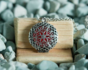 Filigree Oil Diffuser Necklace