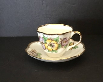 Salisburg Bone China Teacup with Pansies
