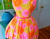 """WhImSiCaL Vintage 50's Dress~Spring~ Floral~ Fit and Flare~ Easter~Mother's Day~ Full Sweep Skirt~Garden Tea Party~Bust 40"""" Waist 32"""""""