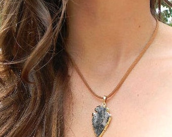 Arrowhead Stone Leather Necklace