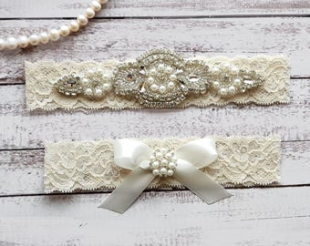 Wedding Garter, NO Slip Lace Wedding Garter Set, bridal garter set, pearl and rhinestone garter set, vintage rhinestones Style A2033
