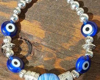 """7in. Glass and silver beaded bracelet with """"evil eye"""" beads and lobster claw claps"""