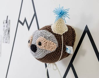 Crochet sloth head, animal mount, nursery decor, childrens bedroom