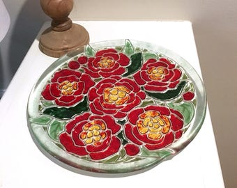 Red and Green Art Glass Plate of Flowers, 11 Inch Round Fused Glass Home Decor