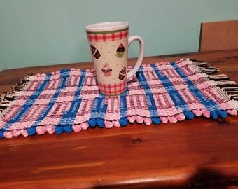 Turquoise and pink placemat, caserol pad
