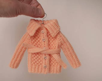 Blythe clothes. Peach cardigan with long sleeve for Blythe doll, Winter dress for 12 inch doll. Hand knitted doll outfit with belt, Knitwear