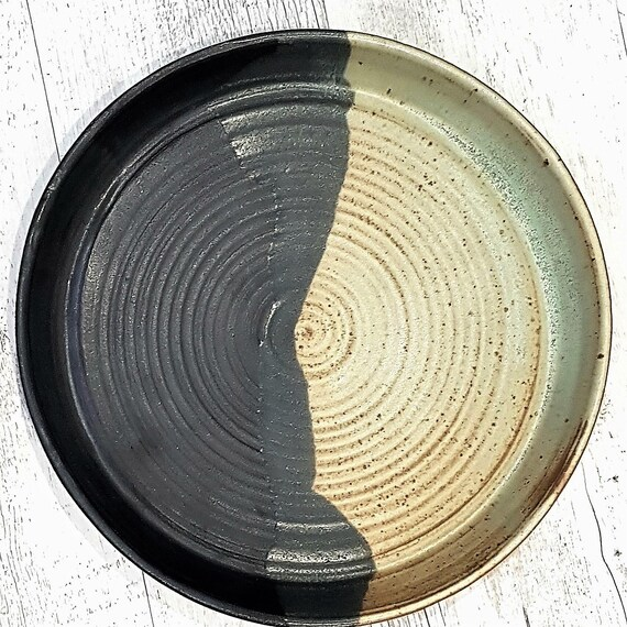 Large Serving Platter in Black and Avocado