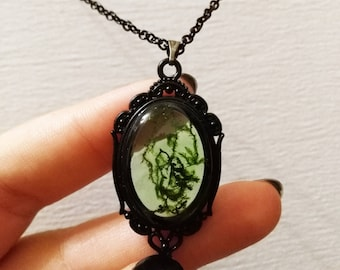 Resin moss necklace, natural moss jewelry, terrarium necklace, green moss, wood jewelry