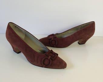 80s MEDA Womens US 7 N Brown Suede Kitten Heel Chain Detail Pump Made in Japan Vintage