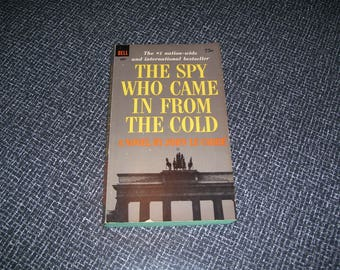 The Spy Who Came In From the Cold by John Le Carre Pb 1965 Vintage