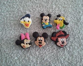 Lot 6 jibbitz Minnie - Mickey (badges for fangs)