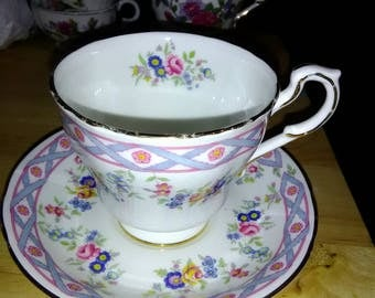 """Paragon """"Bow"""" Fine China Tea Cup and Saucer"""