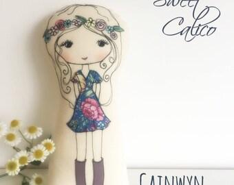 Pattern for 'Cainwyn & friends' freemotion embroidery cloth dolls, boho dolls