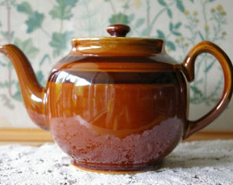 Vintage Brown Betty 7 cup Large Teapot