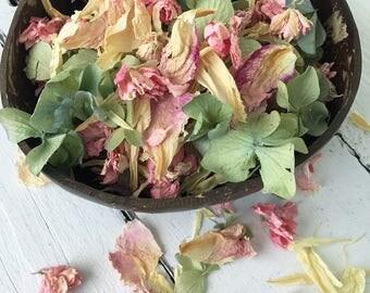 Natural Flower Petal Confetti / Biodegradable / Dye Free / Petal Blend C